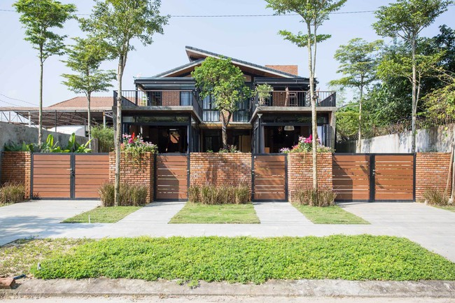 Hai ngôi nhà riêng biệt gộp chung thành biệt thự sang chảnh giữa núi đồi mênh mông của hai người bạn thân ở Đà Nẵng - Ảnh 2.