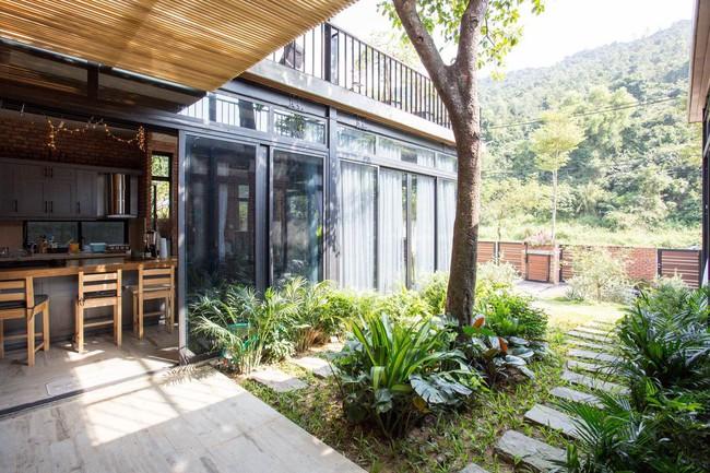 Hai ngôi nhà riêng biệt gộp chung thành biệt thự sang chảnh giữa núi đồi mênh mông của hai người bạn thân ở Đà Nẵng - Ảnh 15.