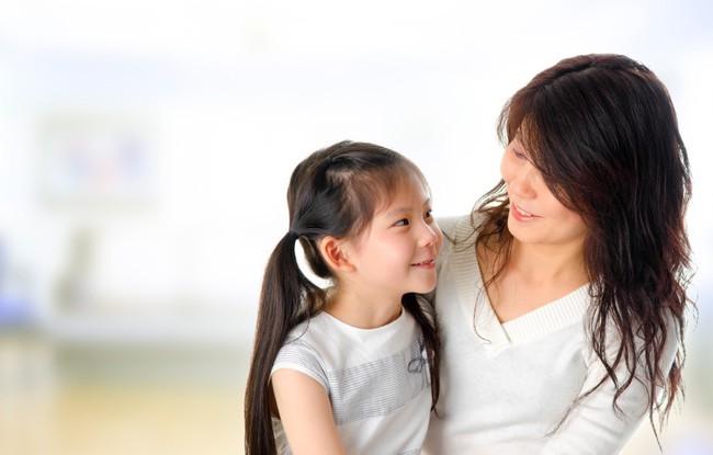 Con lúc nào cũng nói trả treo, cãi tay đôi lại? Cha mẹ hãy làm ngay theo lời khuyên này của chuyên gia để trị thói xấu đó của bé - Ảnh 5.