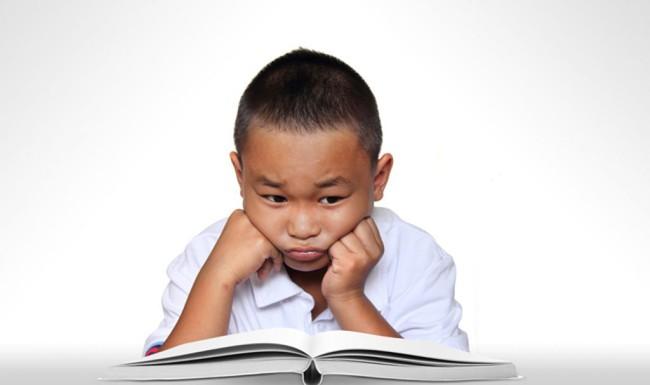 Con lúc nào cũng nói trả treo, cãi tay đôi lại? Cha mẹ hãy làm ngay theo lời khuyên này của chuyên gia để trị thói xấu đó của bé - Ảnh 2.