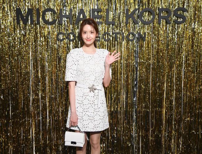 Choáng với hình ảnh của Yoona tại NYFW, thần thái thách thức cả trang phục kém xinh lẫn góc chụp dìm hàng - Ảnh 3.