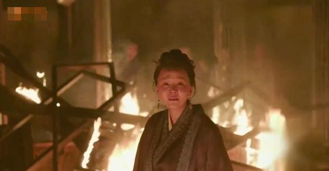 Minh Lan truyện: Bà mẹ kế này cả đời làm hại Phùng Thiệu Phong, nhưng khi phóng hỏa tự thiêu, ai cũng xót xa bật khóc  - Ảnh 6.