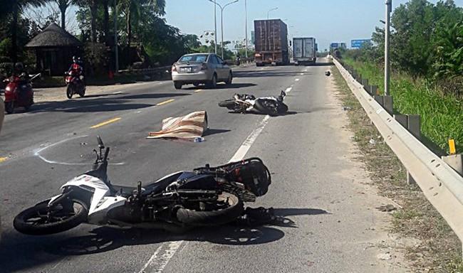 Quảng Nam: Nữ du khách nước ngoài tử vong thương tâm sau va chạm với xe đầu kéo - Ảnh 1.