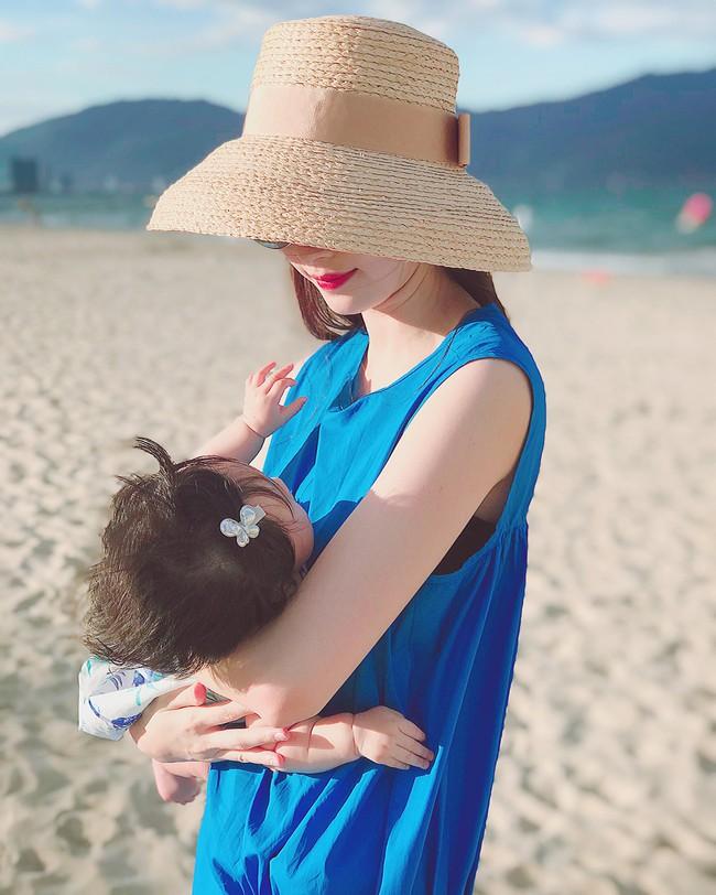 Chưa tròn 1 tuổi mà ba tiểu công chúa nhà sao Việt đã được dự đoán xinh đẹp, sành điệu ăn đứt mẹ  - Ảnh 8.