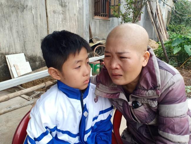"""Lời khẩn cầu của đứa trẻ mồ côi cha, mẹ mắc bệnh hiểm nghèo: """"Cháu đã mồ côi bố, nếu mẹ mà chết thì cháu biết sống với ai?"""" - Ảnh 7."""