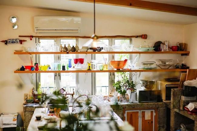 Cụ bà 76 tuổi yêu thích đọc sách, nấu ăn, sống gần thiên nhiên trong ngôi nhà thôn quê rộng 400m² ở Nhật Bản - Ảnh 10.