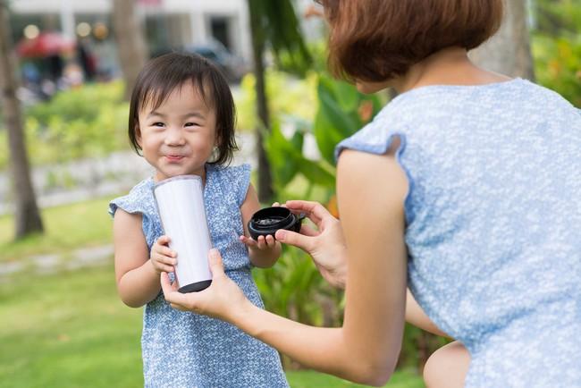 Bổ sung canxi cho trẻ: Cách bổ sung canxi cho trẻ phù hợp với tuổi - Ảnh 2.