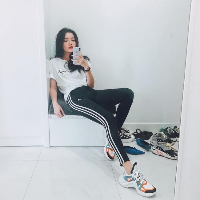 Hòa theo xu hướng, Hoa hậu HHen Niê cũng sắm thêm cho mình một đôi sneaker gần 30 triệu - Ảnh 8.