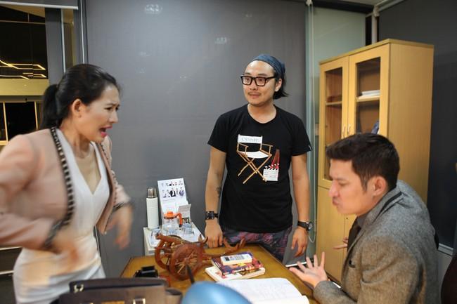 7 năm sau Lệ phí tình yêu, Huy Khánh mới trở lại màn ảnh trong vai nam chính - Ảnh 1.