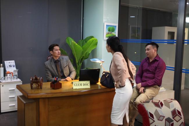 7 năm sau Lệ phí tình yêu, Huy Khánh mới trở lại màn ảnh trong vai nam chính - Ảnh 9.