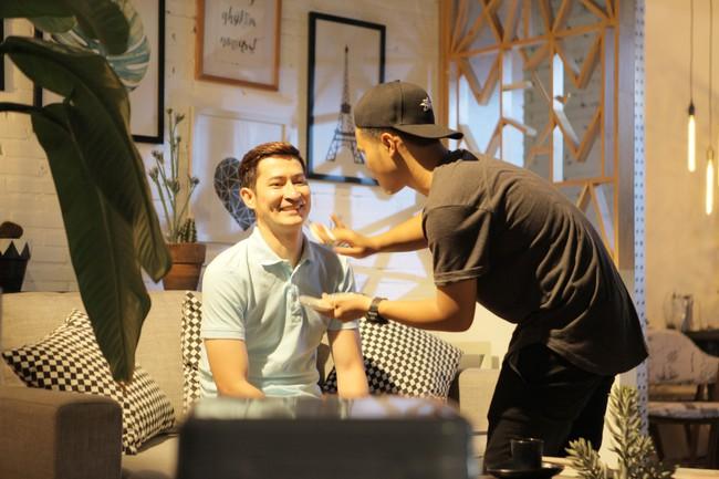 7 năm sau Lệ phí tình yêu, Huy Khánh mới trở lại màn ảnh trong vai nam chính - Ảnh 2.