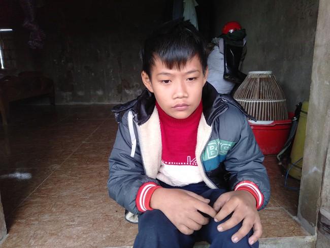 Số phận nghiệt ngã của bé trai khuyết tật, không có cha, mẹ mất vì tai nạn giao thông - Ảnh 1.
