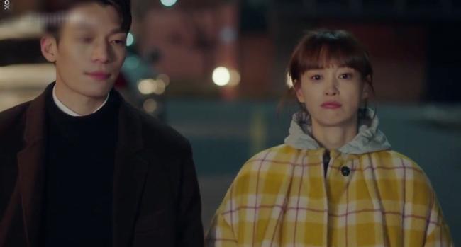 Phụ lục tình yêu: Hẹn hò với trai trẻ nhưng Lee Na Young lại toàn nhắc đến Lee Jong Suk - Ảnh 1.