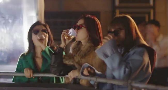 Phụ lục tình yêu: Hội gái già quá lứa của Lee Na Young vừa xuất hiện đã gây chấn động - Ảnh 7.