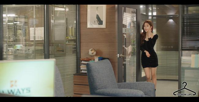 Trở thành thư ký của Lee Dong Wook, Yoo In Na mặc đẹp và sang chảnh tới mức biến công sở thành sàn diễn trong Chạm vào tim em - Ảnh 11.