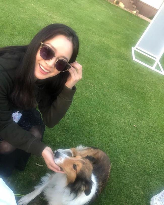 Kim Tae Hee khoe mặt mộc xinh đẹp nhưng vòng 2 lùm lùm mới là điều mọi người quan tâm  - Ảnh 1.