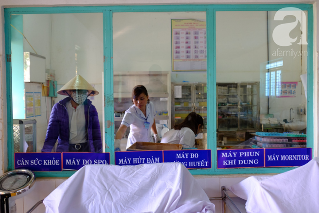 Thương tâm cô gái thiểu năng nhiễm HIV, mang bầu khi mới 21 tuổi: Bác sĩ chỉ cách cứu con thoát bệnh hiểm nghèo - Ảnh 9.