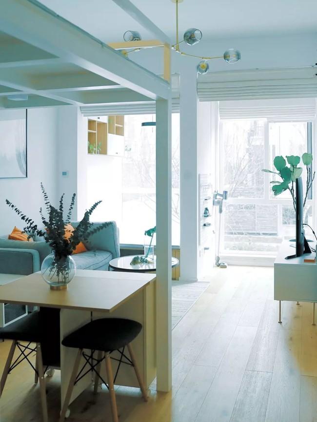 Căn hộ 48m² hẹp và dài gây ấn tượng với thiết kế mở có thể ở đến 6 người  - Ảnh 6.