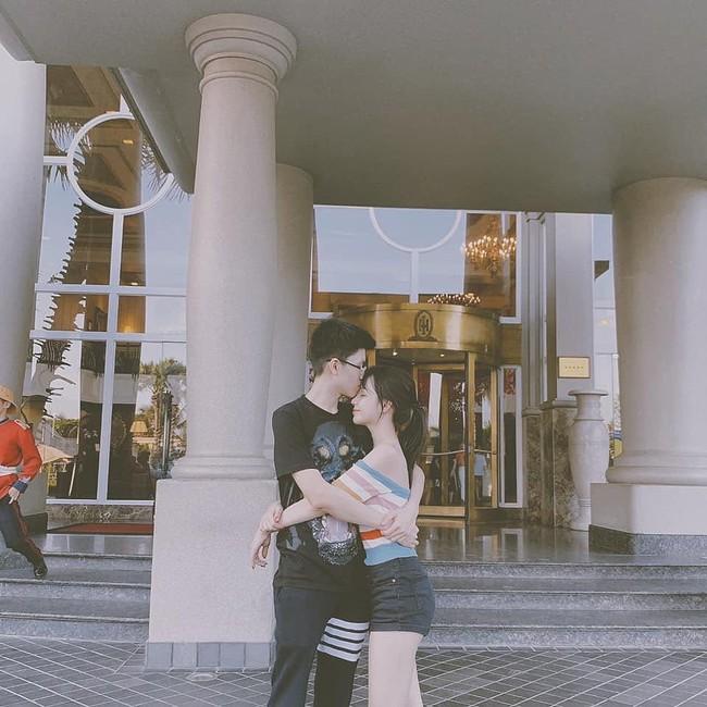Sang chảnh như em trai Phan Thành và bạn gái: Đã chụp ảnh là chỉ tạo dáng trước siêu xe hoặc check-in ở nhà hàng xịn - Ảnh 6.