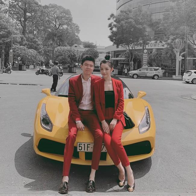Sang chảnh như em trai Phan Thành và bạn gái: Đã chụp ảnh là chỉ tạo dáng trước siêu xe hoặc check-in ở nhà hàng xịn - Ảnh 2.