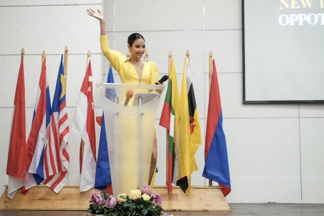 Á hậu Hoàng Thùy gây ấn tượng mạnh khi làm diễn giả ở Philippines - Ảnh 7.