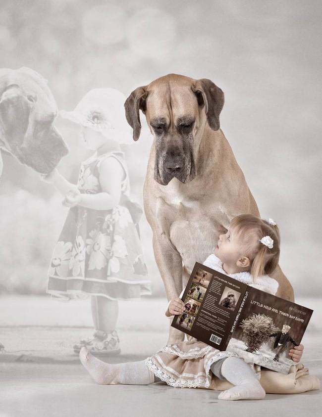 Bộ ảnh đẹp đến nao lòng của các bé chụp cùng thú cưng khổng lồ khiến ai nấy đều phải ngẩn ngơ, trầm trồ - Ảnh 13.