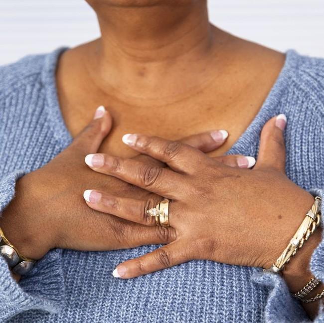 Bác sĩ cảnh báo 10 triệu chứng tưởng bình thường nhưng có thể báo hiệu một căn bệnh nghiêm trọng - Ảnh 8.