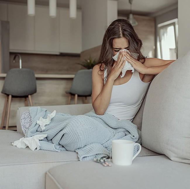 Những cơn ho dai dẳng của bạn bắt nguồn từ dị ứng hay cảm lạnh thông thường? - Ảnh 1.