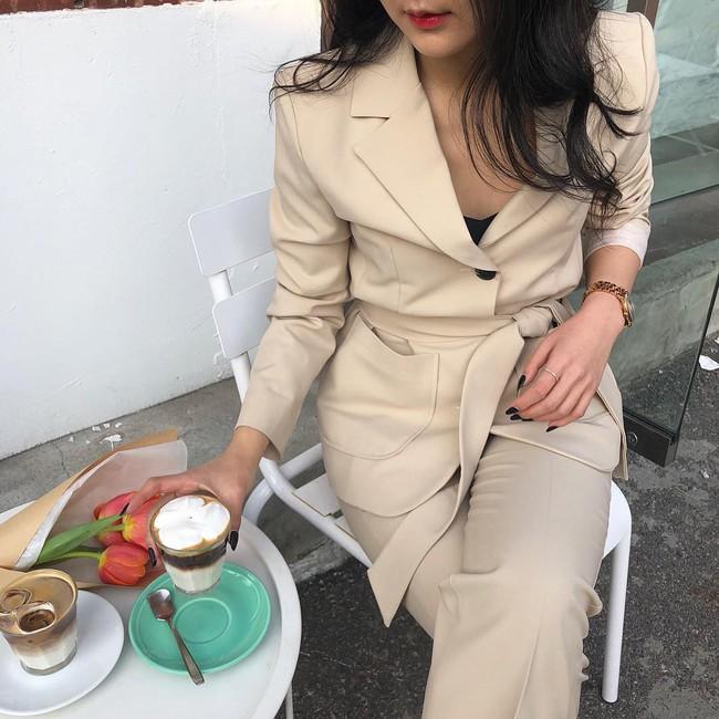Đạo diễn Lê Hoàng: Các ông chồng nên làm gì với cô vợ lúc nào cũng se sua, thích chưng diện quần áo đẹp? - Ảnh 1.