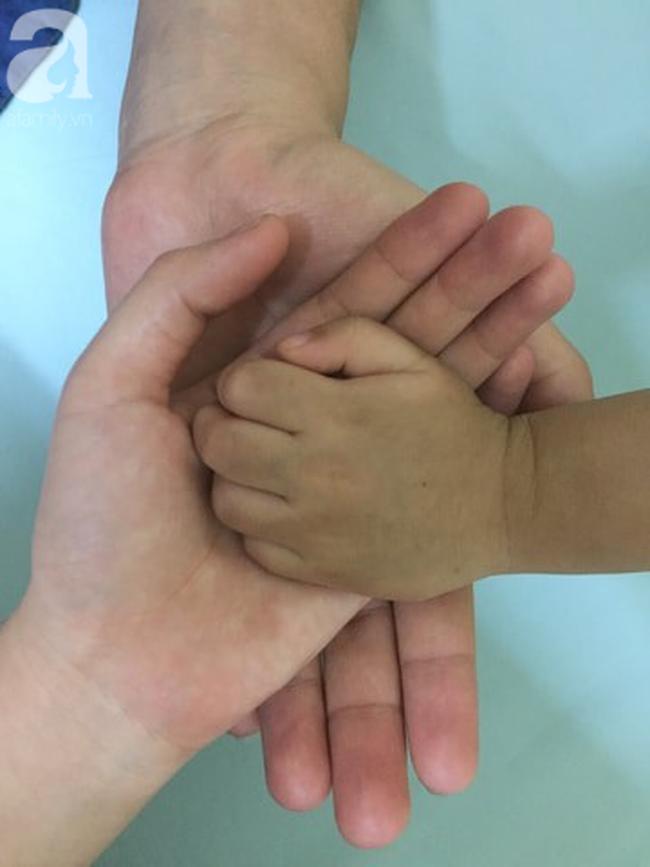 Con trai được 5 tháng tuổi, mẹ chết lặng phát hiện bệnh hiếm và đây là cách mà cha mẹ bé đối mặt - Ảnh 4.