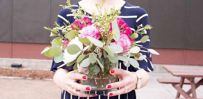 12 lời khuyên để tạo nên cách cắm hoa hoàn hảo đến từng chi tiết - Ảnh 1.