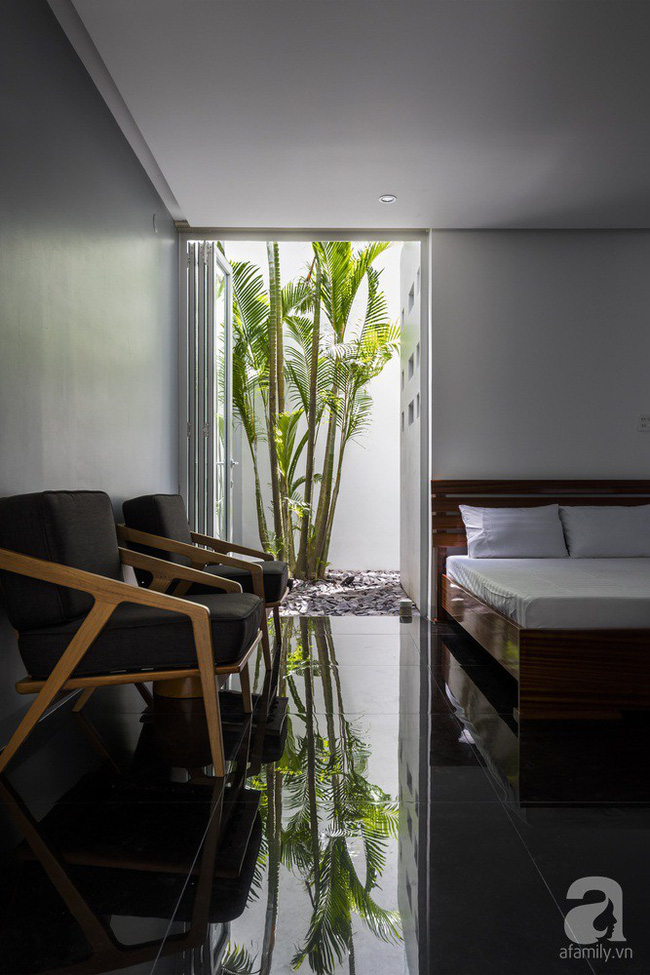 Nhờ thiết kế 300 ô cửa sổ, ngôi nhà hướng Tây ở Nha Trang luôn ngập tràn ánh sáng và gió mát - Ảnh 13.