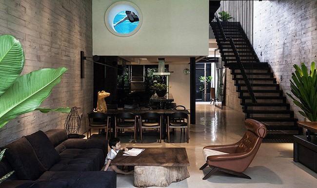 Ngôi nhà có mặt tiền lọc ánh sáng và không khí, tạo môi trường trong lành, sạch sẽ cho người sống trong nhà - Ảnh 6.