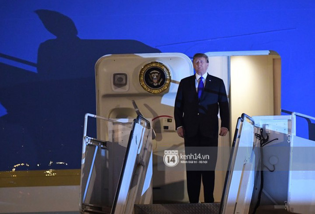 Tổng thống Mỹ Donald Trump xuống chuyên cơ, đang trên siêu xe quái thú vào trung tâm Hà Nội  - Ảnh 10.