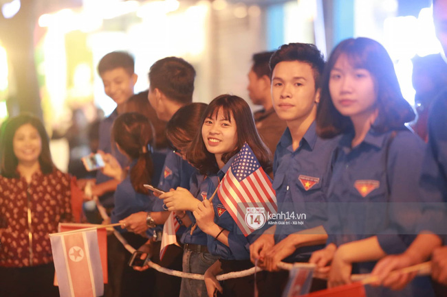Tổng thống Mỹ Donald Trump xuống chuyên cơ, đang trên siêu xe quái thú vào trung tâm Hà Nội  - Ảnh 25.