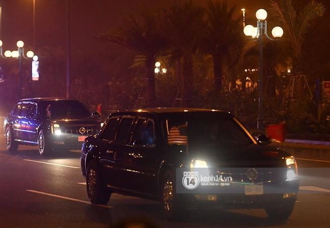 Tổng thống Mỹ Donald Trump xuống chuyên cơ, đang trên siêu xe quái thú vào trung tâm Hà Nội  - Ảnh 2.