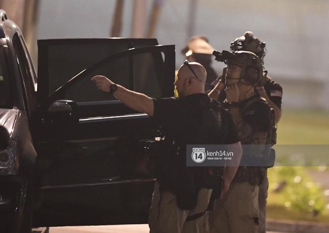 Tổng thống Mỹ Donald Trump xuống chuyên cơ, đang trên siêu xe quái thú vào trung tâm Hà Nội  - Ảnh 22.
