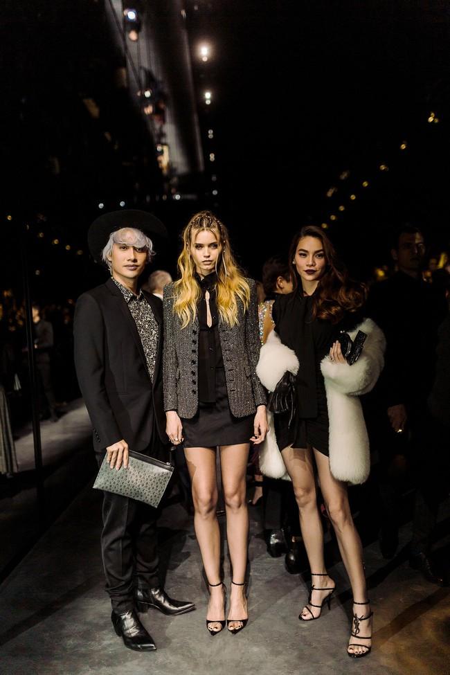 Hà Hồ diện áo lông sang chảnh, sánh đôi cùng Lý Quí Khánh trong show Saint Laurent tại Tuần lễ thời trang Paris - Ảnh 6.