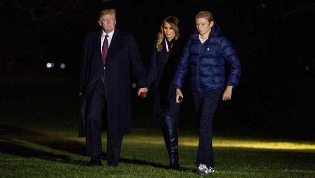 Cậu út nhà Trump - phiên bản nhí của Tổng thống Donald Trump: Vẻ ngoài sáng láng như tài tử, gu thời trang chỉn chu lịch lãm ngay từ khi còn nhỏ xíu - Ảnh 11.