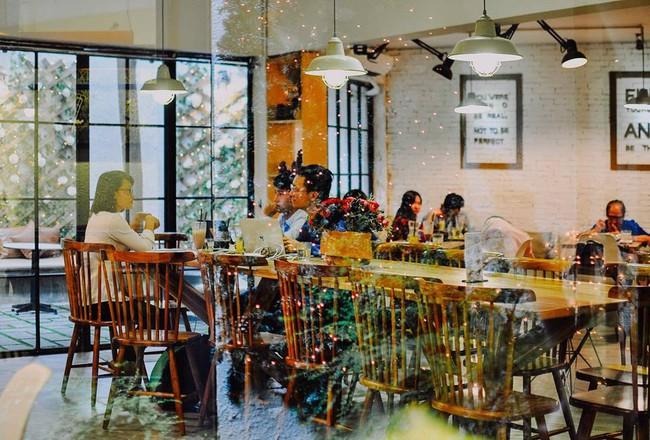 Muốn đi cafe, trà sữa từ mùng 1, đây là danh sách quán mở xuyên Tết cần ghim ở Sài Gòn - Ảnh 6.