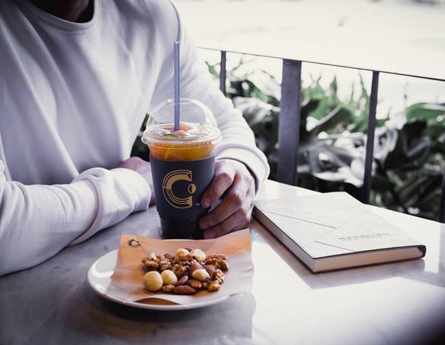 Muốn đi cafe, trà sữa từ mùng 1, đây là danh sách quán mở xuyên Tết cần ghim ở Sài Gòn - Ảnh 8.