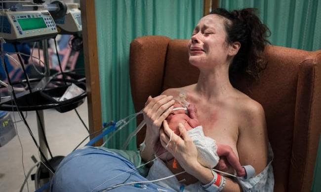 Nghẹt thở, xúc động và vỡ òa cảm xúc với loạt hình ảnh tái hiện vẻ đẹp khi sinh nở trong suốt đầu năm 2019 - Ảnh 8.