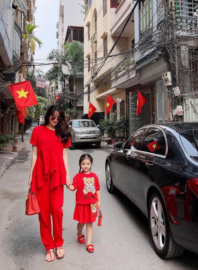 Nào có thua người lớn, nhóc tỳ nhà sao Việt xúng xính diện áo dài, nổi nhất là mẹ con Thu Thảo và Hà Anh - Ảnh 17.