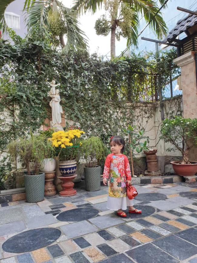 Nào có thua người lớn, nhóc tỳ nhà sao Việt xúng xính diện áo dài, nổi nhất là mẹ con Thu Thảo và Hà Anh - Ảnh 14.