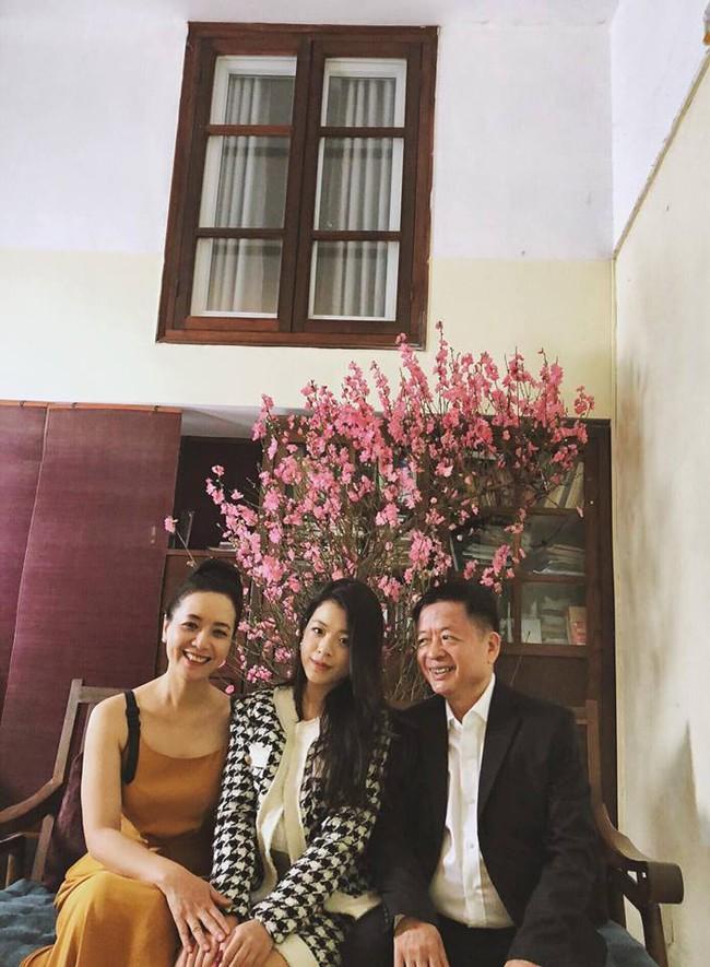 2 con gái nghệ sĩ Chiều Xuân khoe ảnh áo dài đón Tết, ai cũng ngỡ ngàng vì quá xinh đẹp giống mẹ - Ảnh 5.