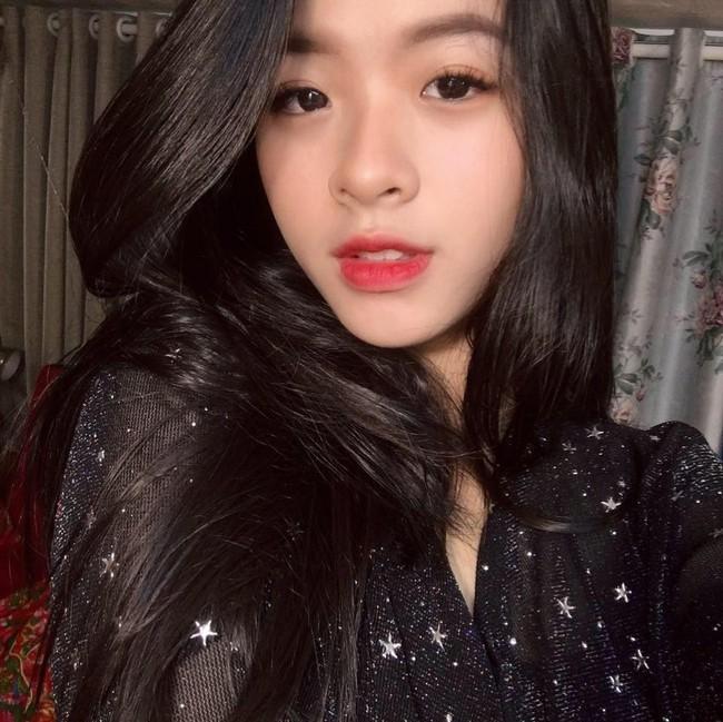 2 con gái nghệ sĩ Chiều Xuân khoe ảnh áo dài đón Tết, ai cũng ngỡ ngàng vì quá xinh đẹp giống mẹ - Ảnh 4.