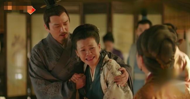 Sau bao ngày xa cách, Phùng Thiệu Phong - Triệu Lệ Dĩnh vừa gặp lại đã ôm hôn đắm đuối trên giường  - Ảnh 5.