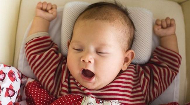 Mẹ nào đang mệt mỏi việc con hay tỉnh giấc giữa đêm thì đừng lo bởi đó là dấu hiệu trẻ rất thông minh - Ảnh 2.