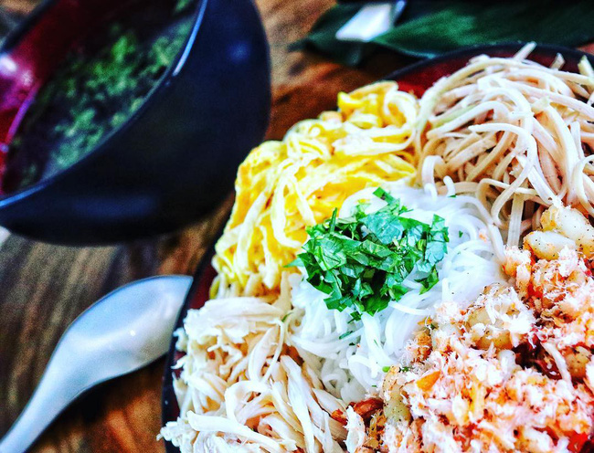 Bún thang - món ăn có nguồn gốc từ cỗ thừa ngày Tết chứa đựng sự tinh tế, cầu kỳ của người Hà Nội - Ảnh 3.