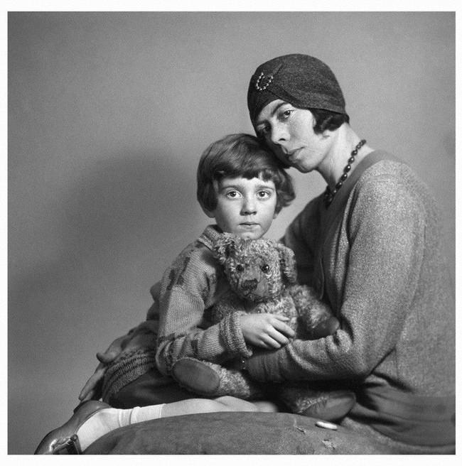 Câu chuyện buồn về nguyên bản đời thực của Winnie The Pooh: Cậu bé Christopher bị bố lợi dụng, mẹ từ mặt - Ảnh 6.